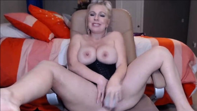 Huge Boobs Blonde Toying Her..