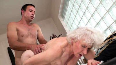 Banging a sexy granny
