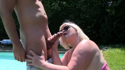 Gran Lacey Starr gobbles