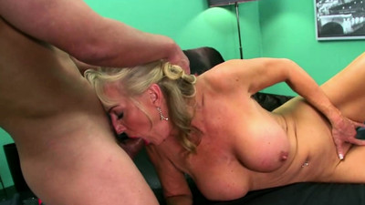 Blonde Gilf Screwed