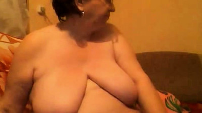 Mature BBW with huge boobs..