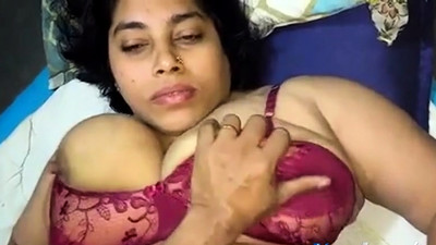 Indian chubby big boobs girl..