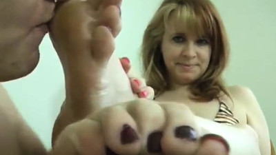MILF Foot and Pantyhose..