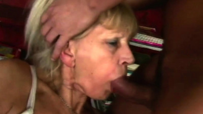 Old babe banged by horny..