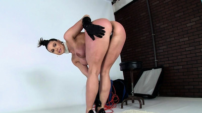 Pungent milf Kendra Lust..