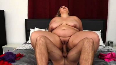 BBW Newbie Lisa Lee Rides..