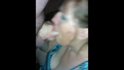 Experienced MILF sucking her..