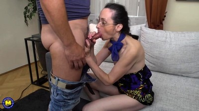 Mature lady fucking and..