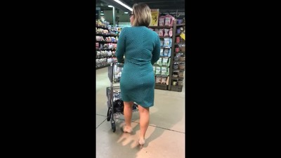 BUSINESS LADY BOOTY PAWG..