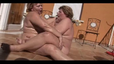 Plump lesbians do it outdoors
