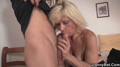 Blonde old women pleases an..