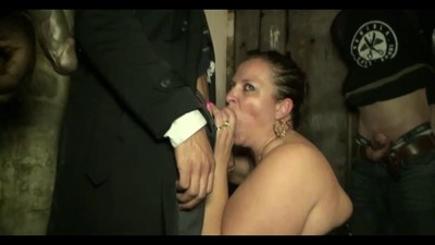 Mature slut gangbanged in..