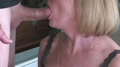 Amateur GILF Tries Out New..