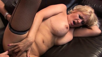Starr gets fucked in..
