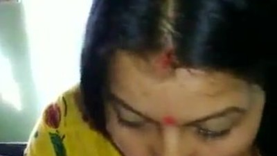 desi bhabhi sucking and ass..