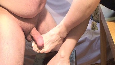 Spurt Cum On Mature Feet