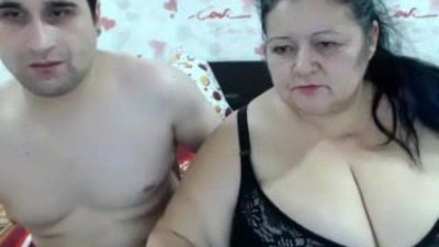 Amateur Couple on Webcam R20