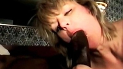 Cuckolds wife with BBC bull..