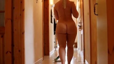 German PAWG cleans house naked