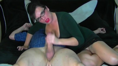Sexy MiLF Gives An Awesome..