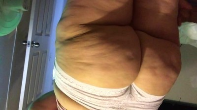 Super fat PAWG ass at it again