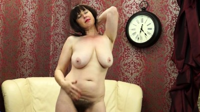 Hairy mom Janey fingering..