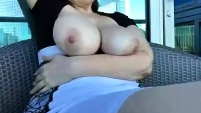 Big Boobs Flashed in Public