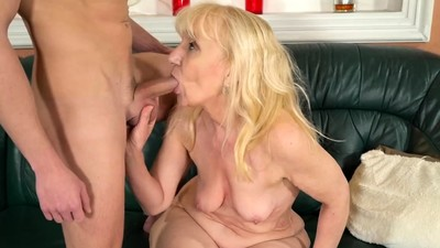 Sexy granny wants cock